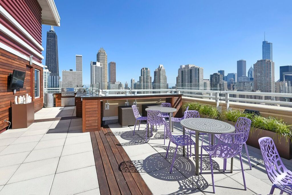gold coast studio for rent luxury apartments. Black Bedroom Furniture Sets. Home Design Ideas