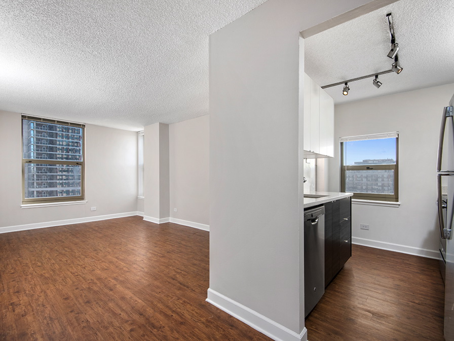 Now Renting Luxury 2 Bedroom Apartment In Chicago S Gold Coast
