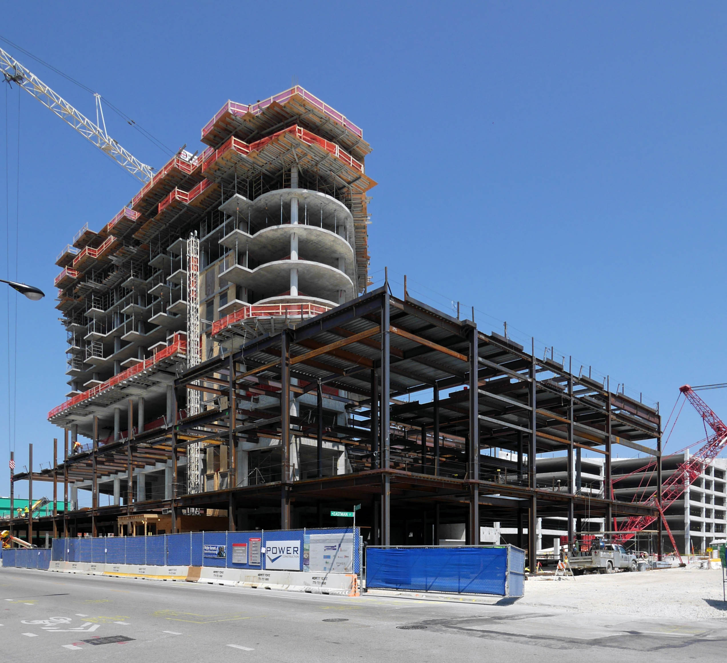 Construction On New City Luxury Apartment Rentals In Lincoln Park, Chicago