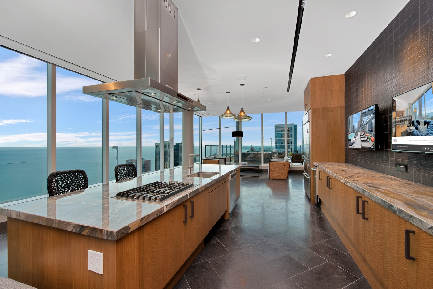 Now Renting Luxury 3 Bedroom In Streeterville