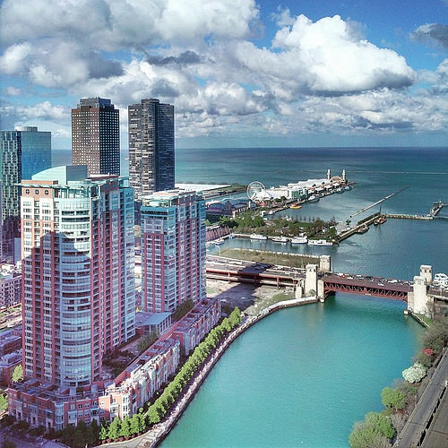 Renting Luxury Apartments Chicago's Streeterville