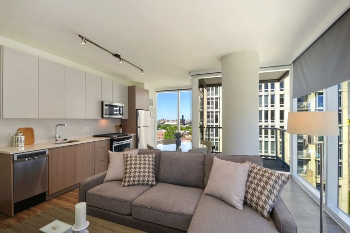 South Loop Luxury Apartments For Rent In Downtown Chicago02 1407smichiganave 1010 165 Livingroom Hires