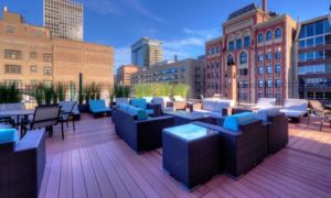 Looking for great deals on luxury apartments near downtown Chicago?