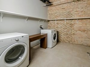 Looking for luxury loft apartments for rent near downtown Chicago?