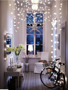 Decorating small apartment home for winter holidays