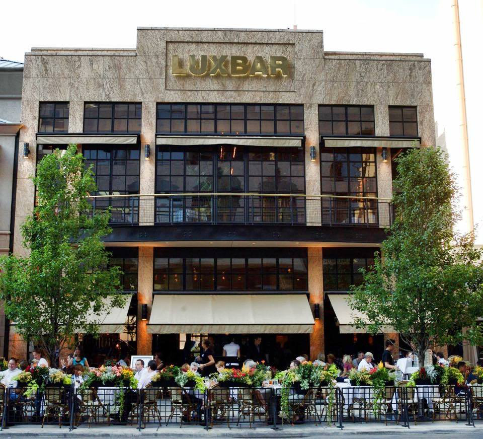 Looking for things to do near gold coast chicago? luxbar