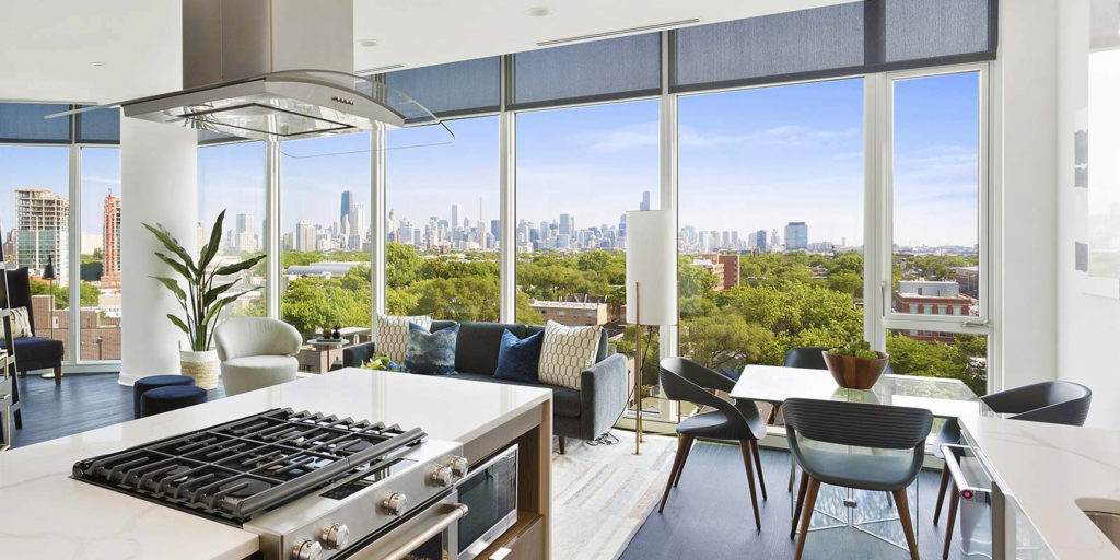 Looking for new luxury apartments for rent near Lincoln Park?
