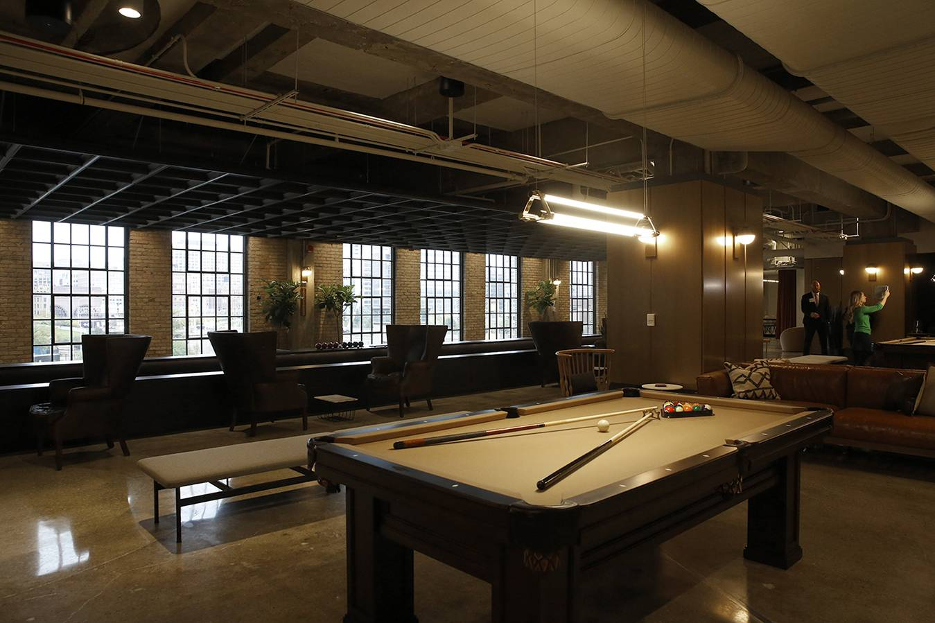 West Loop Luxuy Apartments for rent near Old Main Post Office