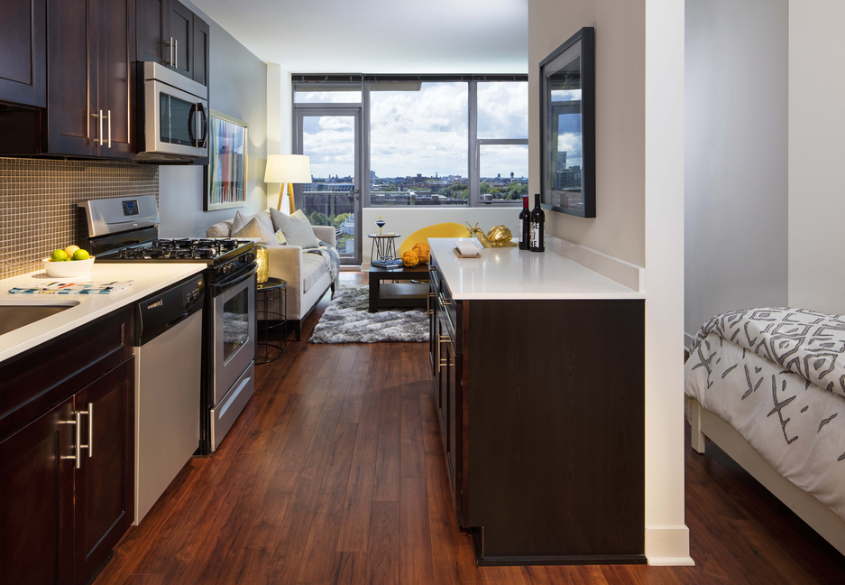 Looking for luxury apartments for rent now in Old Town on Wells Street?