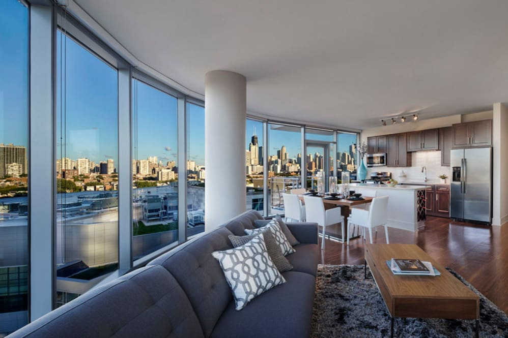 Newcity apartments Offering virtual apartment tours near Lincoln Park pet and dog friendly
