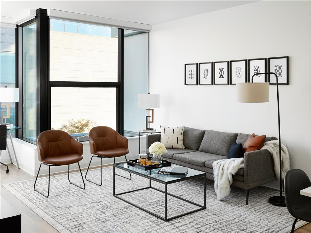 Now leasing! Looking for west loop luxury pet friendly apartments for rent?