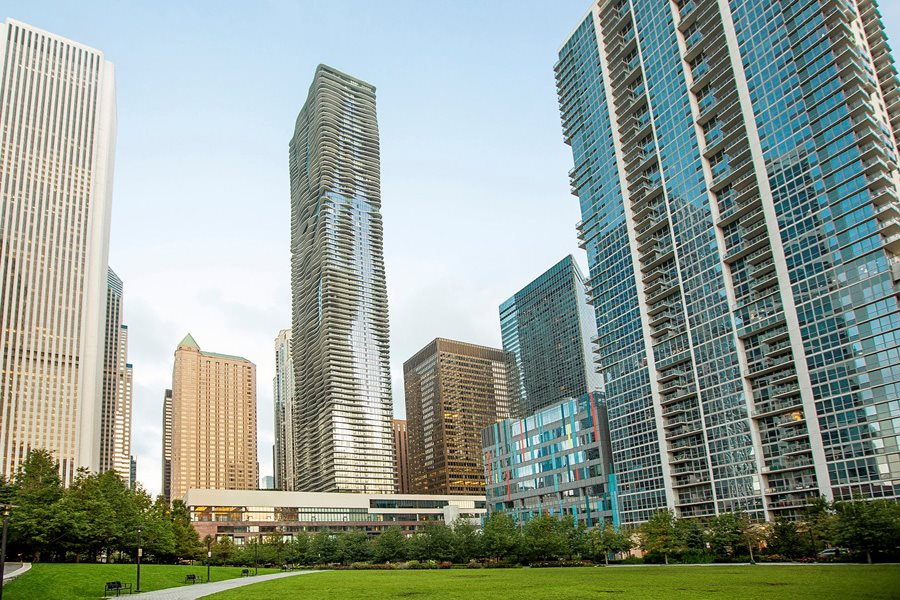 Looking for luxury apartments for rent near Lakeshore East?
