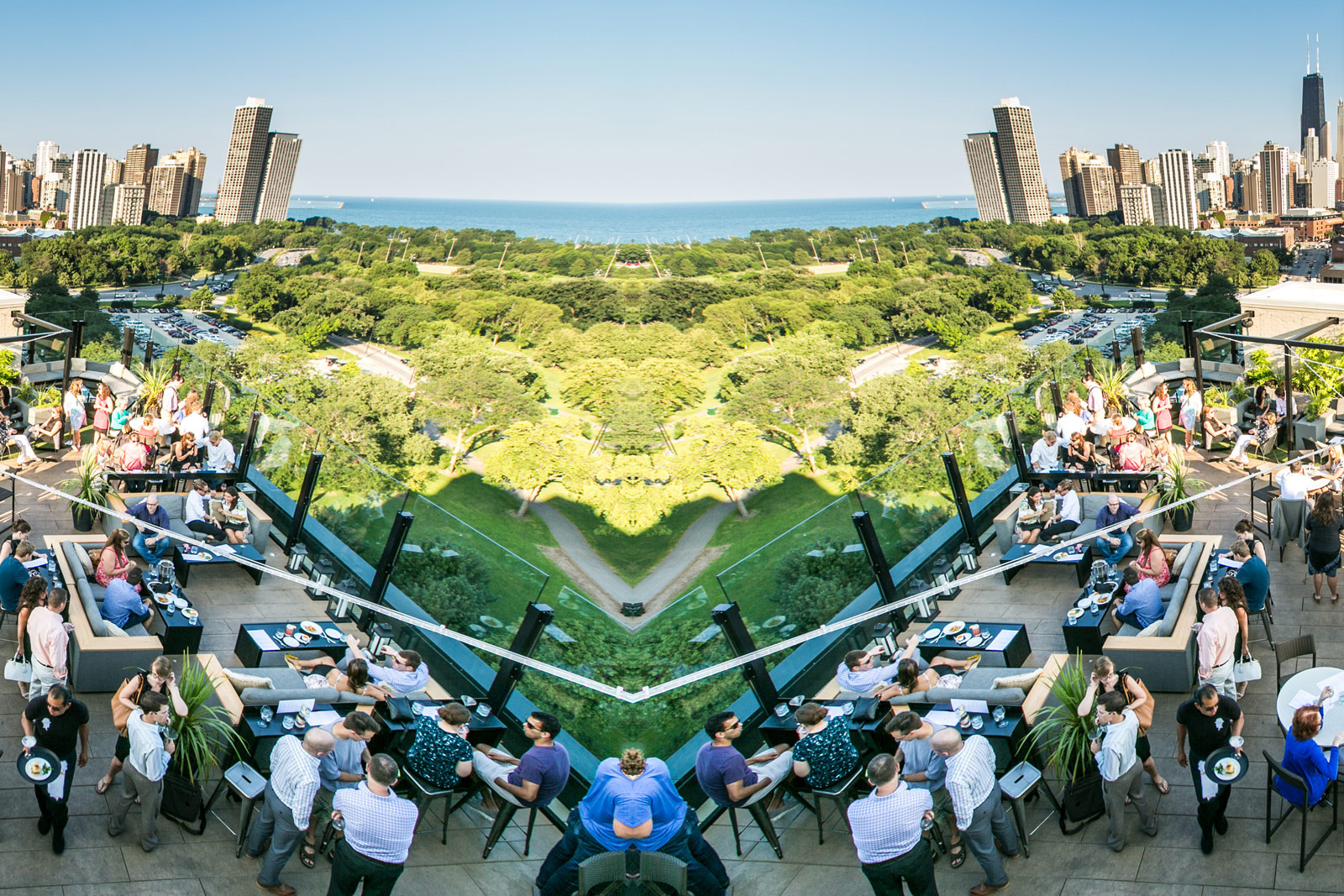 Looking for restaurants with outdoor seating near Lincoln Park open now?