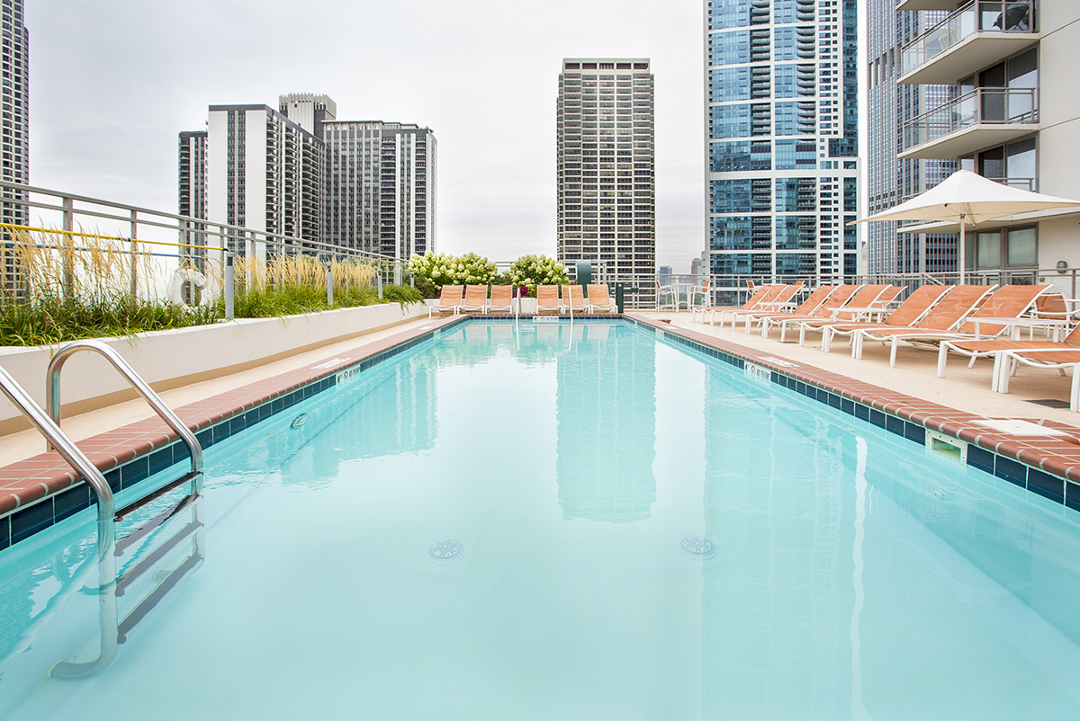 Now leasing! Renovated apartments near downtown Chicago blue line O'Hare
