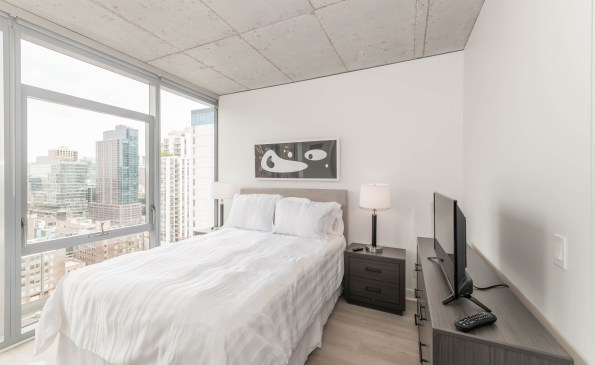 Pet friendly short term rentals luxury apartments in downtown Chicago's West Loop