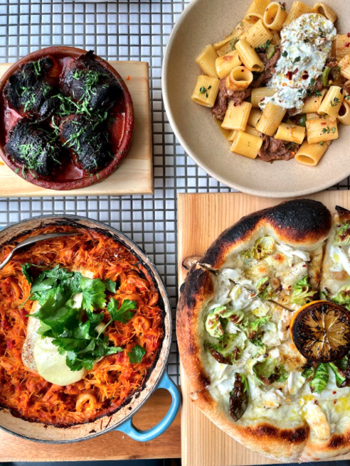 Looking for restaurants with outdoor dining near River North open now?