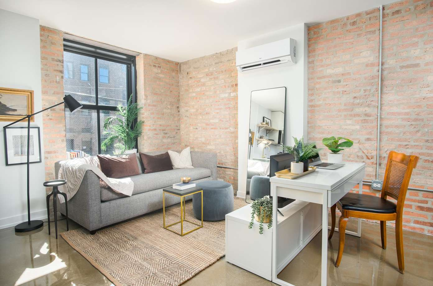 Looking for luxury Medical District apartments for rent?