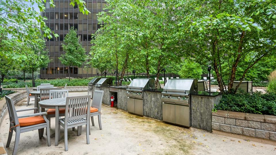 Looking for studio and 2 bed apartments for rent near northwestern medical hospital campus in streeterville?