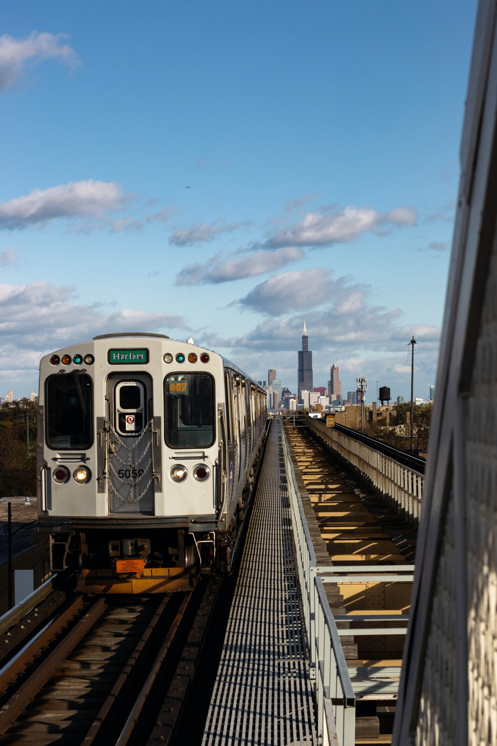 Moving from LA to Chicago available now transit system